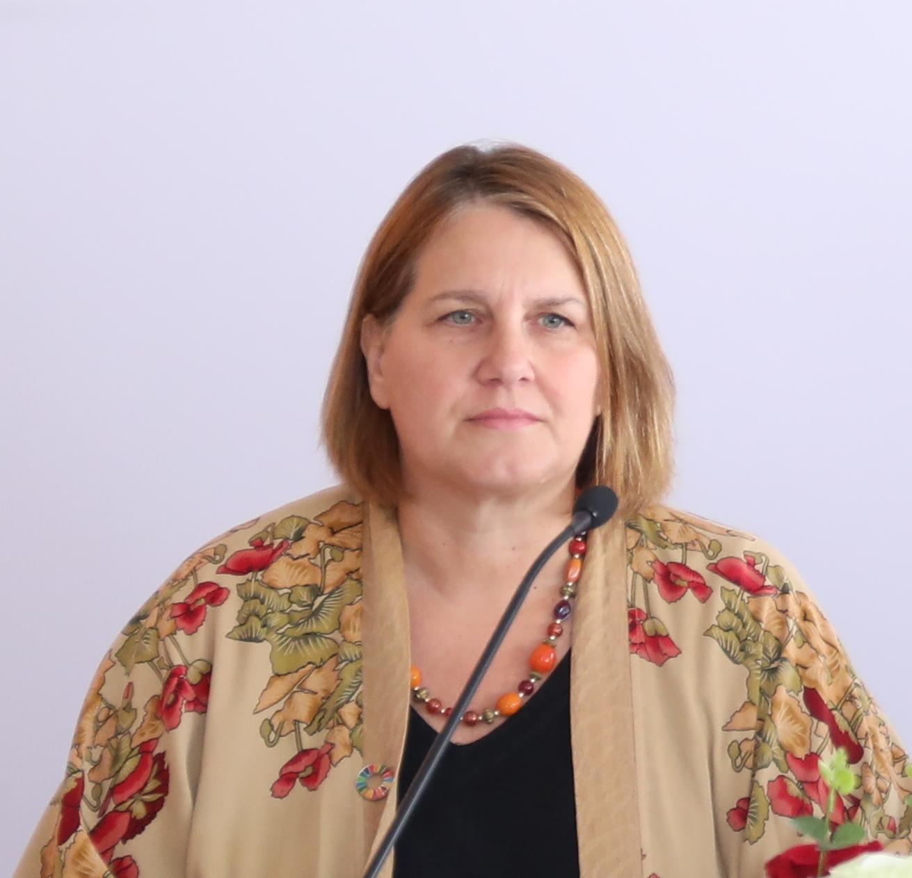 الدكتورة دينا عساف